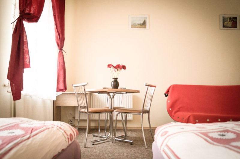 tani_hotel_Fotelik-12